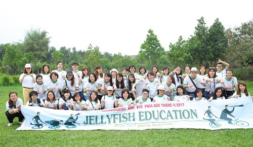JELLYFISH FAMILY WITH THE APRIL TEAMBUILDING ACTIVITY