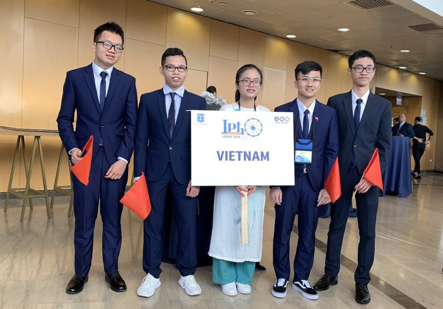 The Vietnamese team at the International Physics Olympiad.